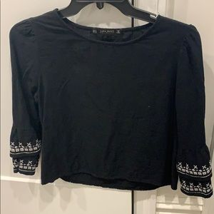 H&M black small flare sleeve top